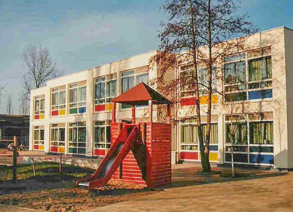 Renovatie basisschool Rotterdam, zuidgevel aan het speelplein